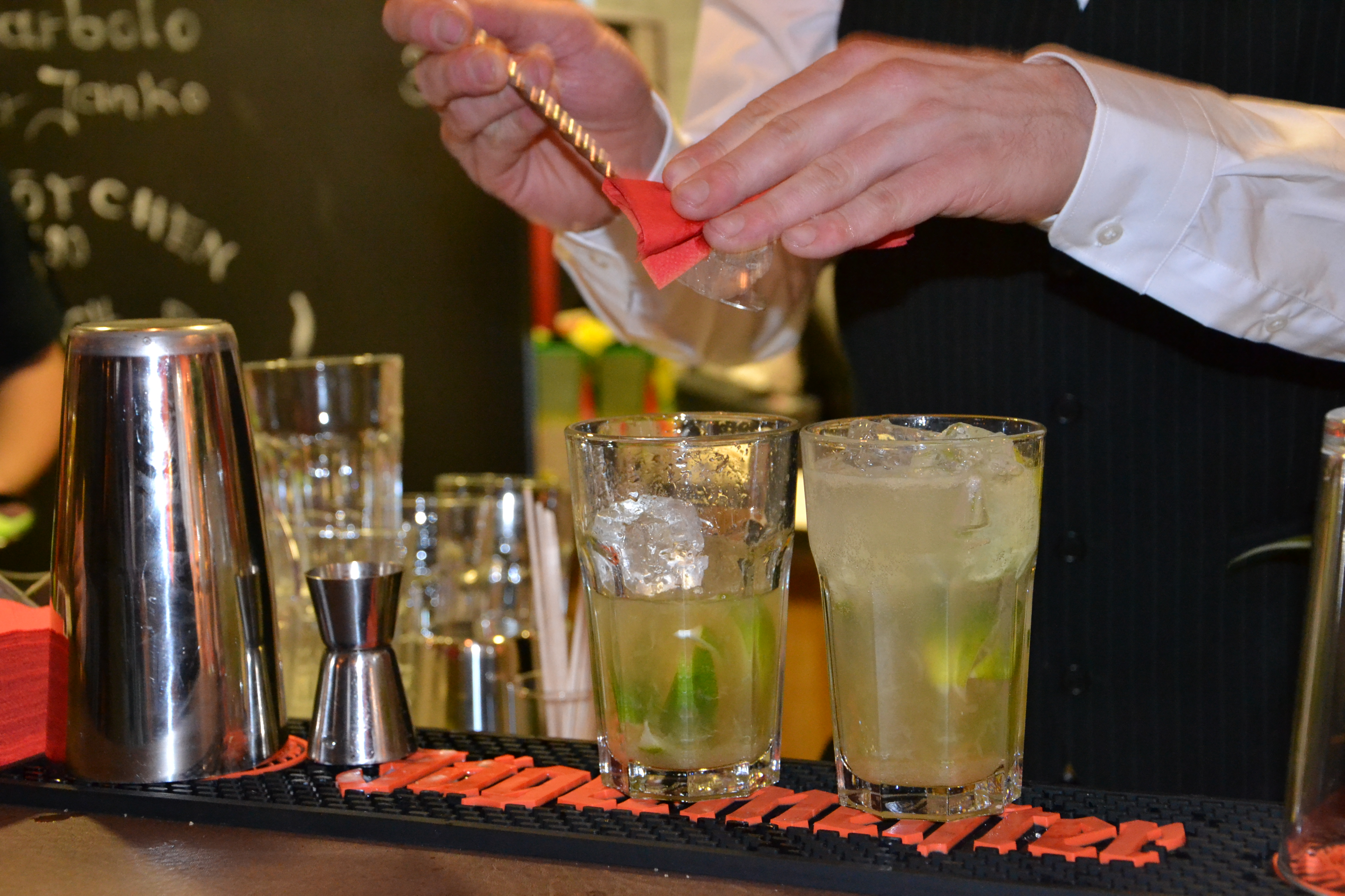 Cocktail 12.4 (24)